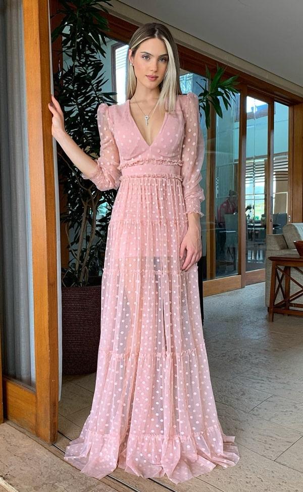 vestido longo rose com estampa de poás bolinhas e transparência nas pernas