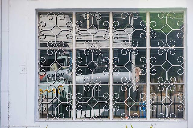 Uma casa na Rua da Glória - detalhe grade na janela
