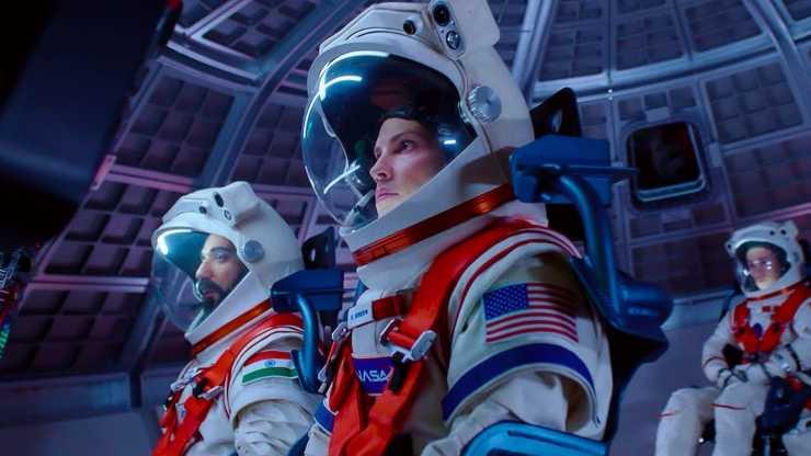 Hilary Swank Dhvara abhineet Netflix ki space drama 'Away' hue cancel