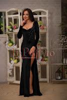 Rochie neagra lunga de seara din catifea cu spatele decoltat • Atmosphere