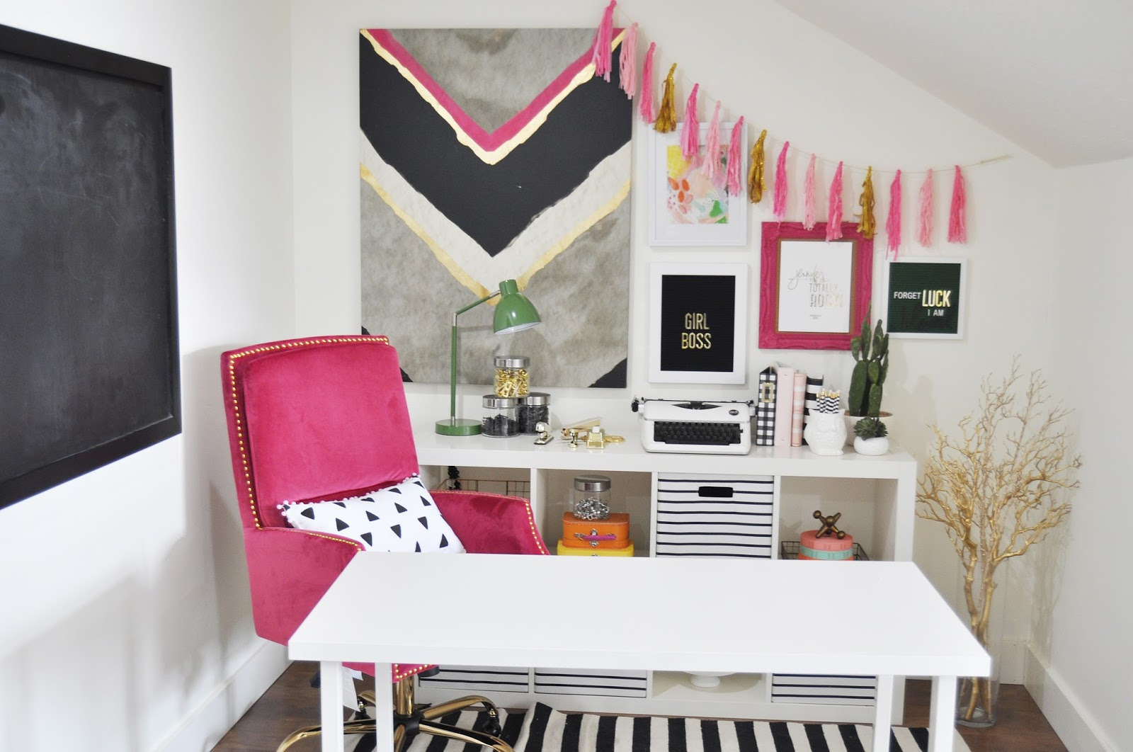 Jen Gallacher Craft Room Tour with video from www.jengallacher.com. #craftroom #craftroomtour #jengallacher