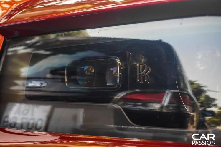 Chạm mặt Rolls-Royce Cullinan màu độc, hơn 30 tỷ ở Sài Gòn