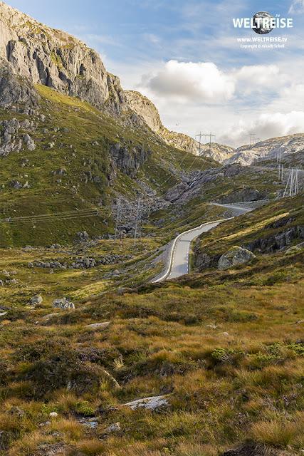 Straße zum Kjeragbolten in Rogaland, Norwegen.