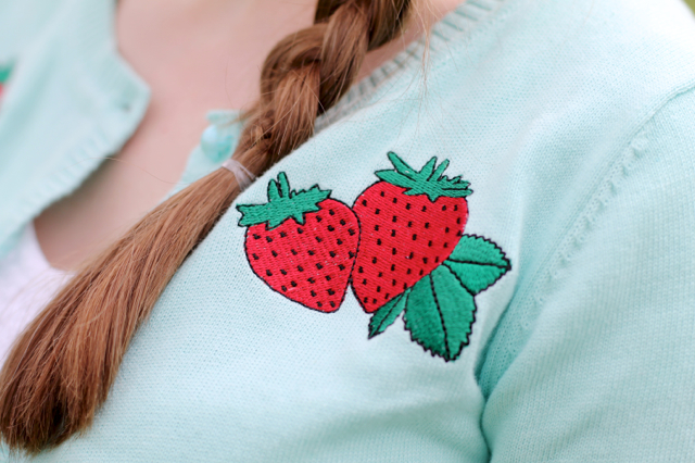 Collectif Lucy strawberry cardigan