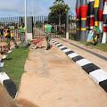 TNI-Polri Gelar Karya Bakti Pembersihan Lingkungan di PLBN Sota Papua