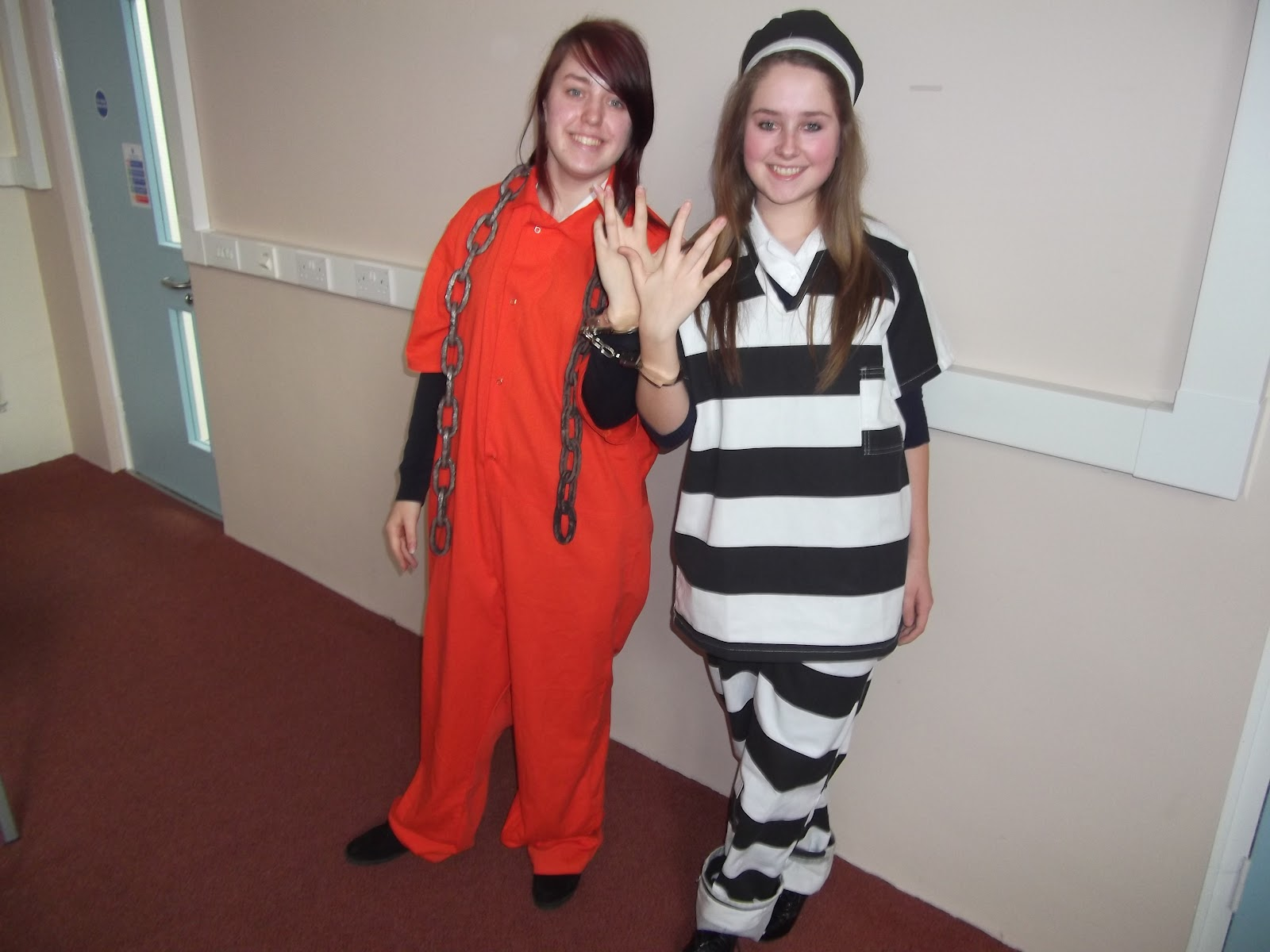 2 girls in prison 2 of 2 - 4 6