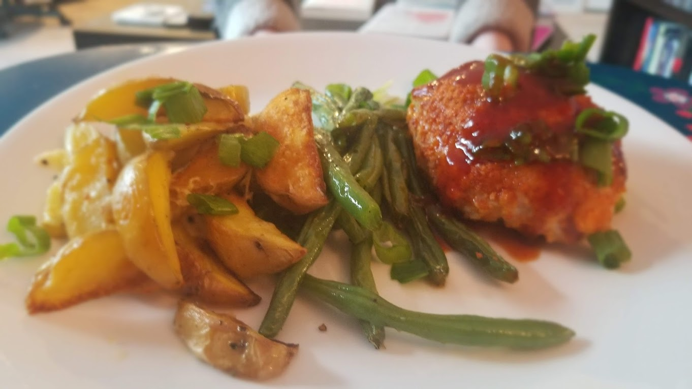 Orange Meatloaf from HelloFresh, with string beans and cheesy potatoes
