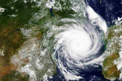 Cyclone Vayu गुजरात में लाईव अपडेट