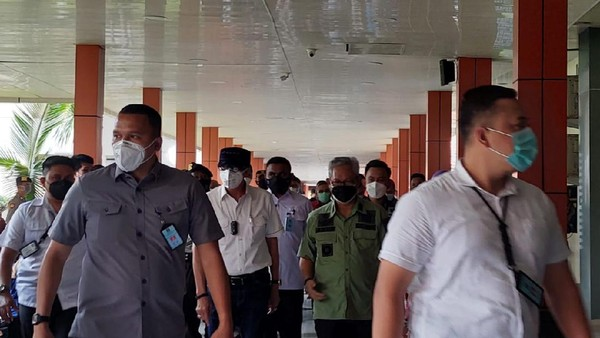 Yasonna Jenguk Korban Kebakaran Maut Lapas Tangerang di RS