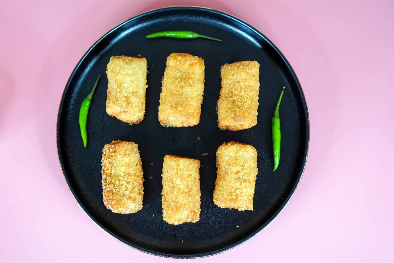 fizzsoles: creamy chicken resoles