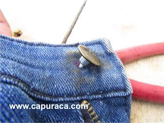 mengganti Kancing Celana Jeans
