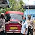 Satlantas Polres Lumajang Pasang Sticker Ayo Pakai Masker 'Di Badan' Angkutan Umum