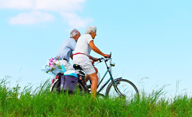 Orang lanjut usia yang tinggal di daerah pedesaan cenderung memiliki kesejahteraan yang lebih baik