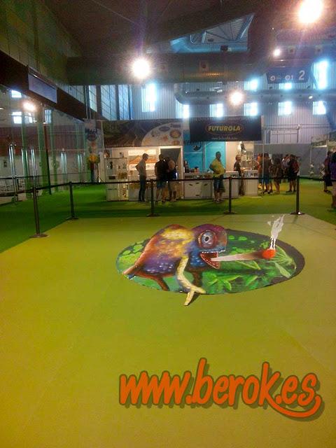 graffiti cannabis 3d en el suelo de Málaga