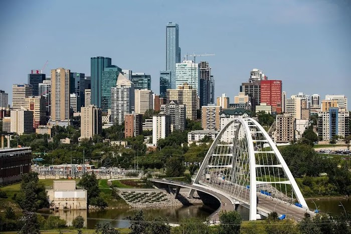 What is Edmonton Canada known for? Travel Guide