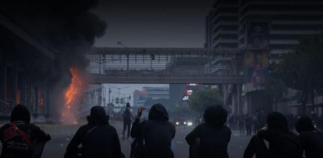 Pembakaran Halte Sarinah Dibongkar Narasi TV, Pemprov DKI Serahkan Proses Hukum Ke Polisi