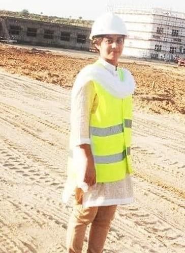 पाकिस्तान के थार की एक हिंदू लड़की किरण साधवानी पाकिस्तान की पहली महिला इंजीनियर बनीं।