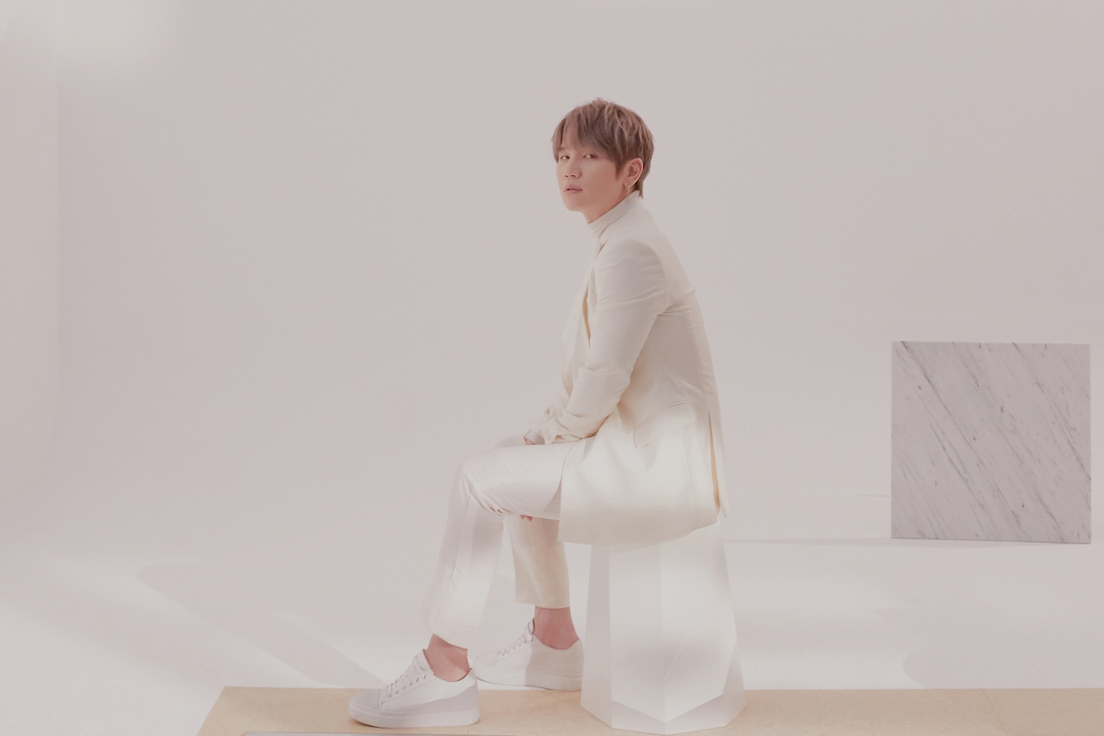 K.Will Renews His Contract With Starship Entertainment