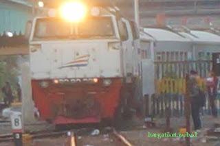Kereta Api Gumarang