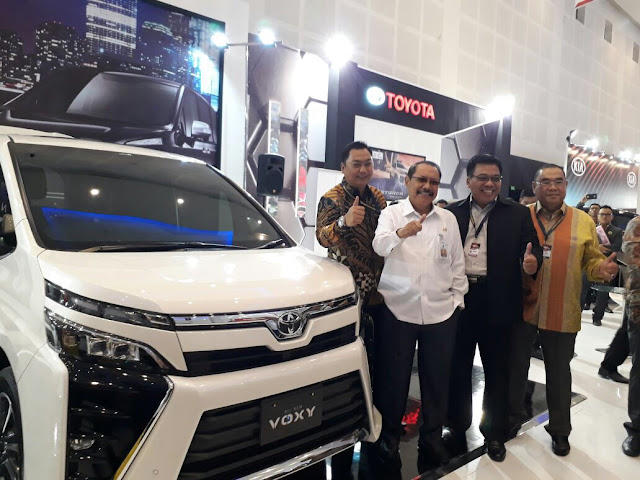 Harga Toyota Voxy Surabaya