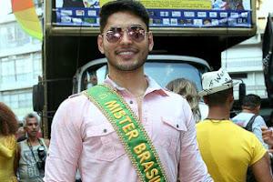 Willian Herculano, Mister Brasil 2016, cai na folia no Carnaval de São Paulo