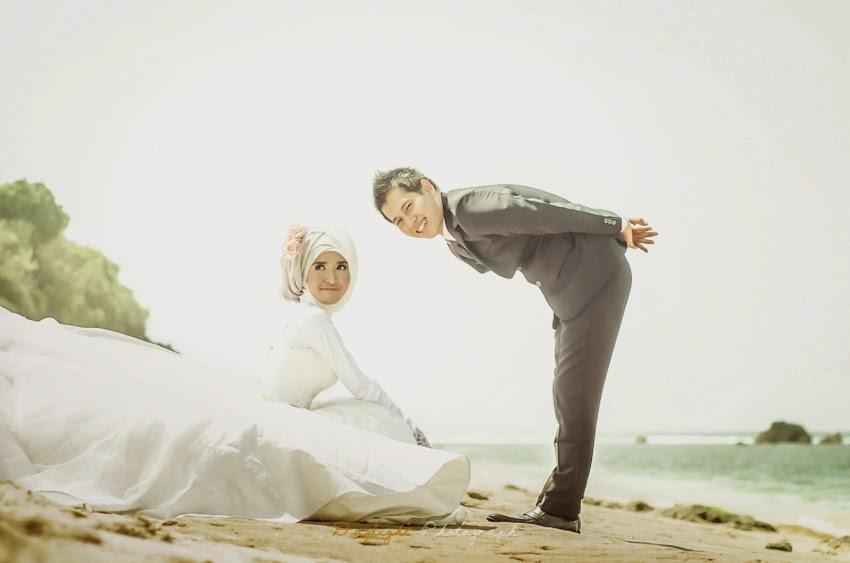 prewedding di pantai jogja, paket foto prewedding