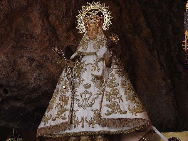 Nossa Senhora de Covadonga. Covadonga, Astúrias, Espanha.