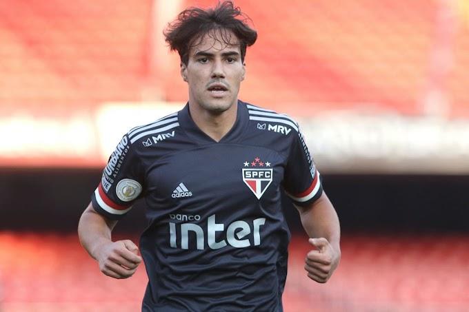 """Ídolo do São Paulo critica Igor Gomes e fala sobre Daniel Alves: """"Antigamente tinha o Messi"""""""