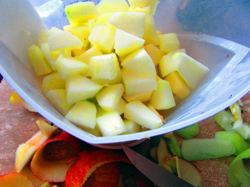 cut apples into walnut-sized pieces