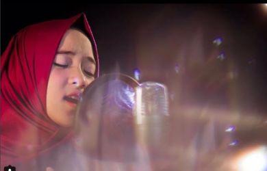 Nissa Sabyan Hampir Kesalip Gadis Cilik Ini, Makin Populer dan Trending, Suaranya Mulus