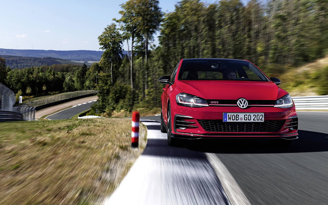 VW Golf GTI 2019 TCR 290 cv