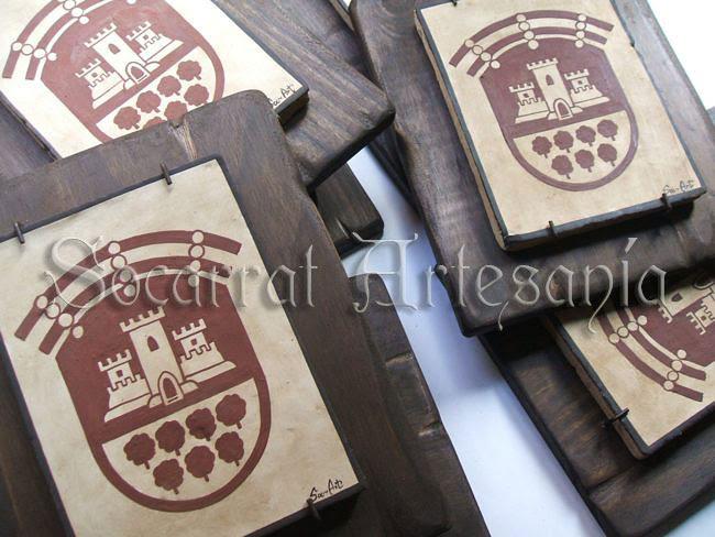 El ayuntamiento de Cheste nos ha encargado la realización de su escudo en socarrat. Socarrat Artesanía. Soc-Art. Camateu