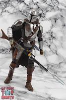 S.H. Figuarts The Mandalorian (Beskar Armor) 31