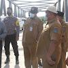 Bersama Wabup, Bupati Anwar Sadat Tinjau Kondisi Jembatan Kol. Achmad Sugeng
