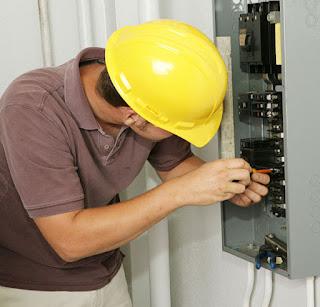 Electricistas: reparaciones urgentes