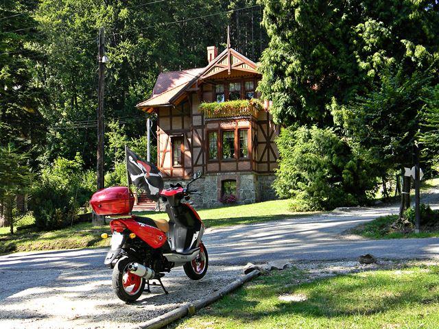 skuter, wypoczynek, Kotlina Kłodzka, las