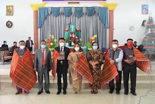 Wakil Bupati Humbahas Hadiri Ibadah dan Pelantikan Majelis Daerah, BPKD dan Kabid HKI Daerah IX Humbang