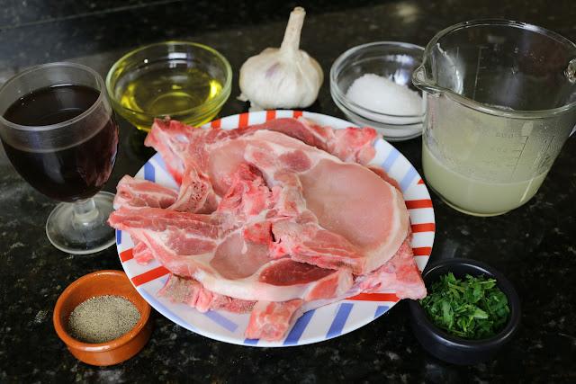 Ingredientes para chuletas de cerdo al ajillo