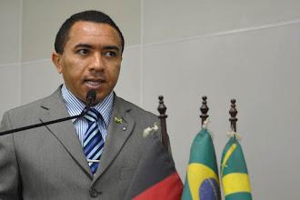 Alexandre do Sindicato pede voto para Leonardo Gadelha, Ludgério, Cássio, Daniella, Lucélio e Bolsonaro