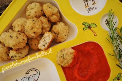 foto Ricetta crocchette di pollo al rosmarino con crema di peperoni per bambini