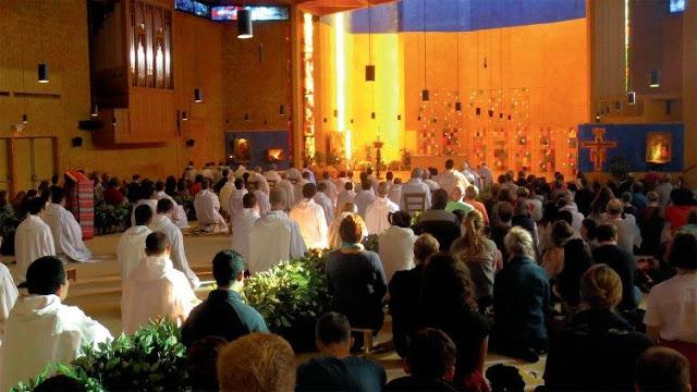 Một buổi cầu nguyện của cộng đoàn Taizé