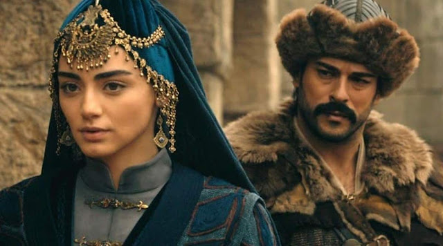 Özge Törer who portrays Bala Hatun in 'Kurulus: Osman' wins 'Best Actress of the Year' award