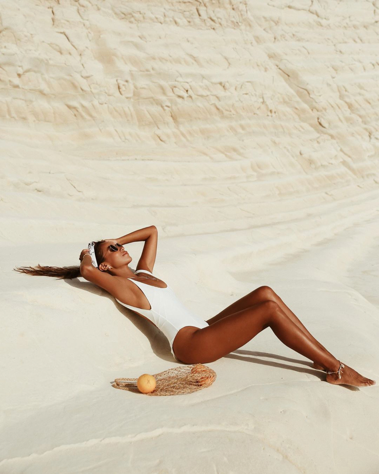 Trends + Thoughts: On Bronzed Skin & Sunbathing