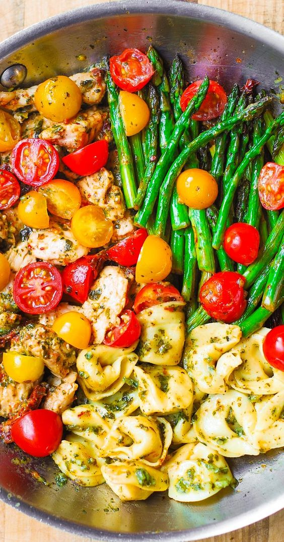 PESTO CHICKEN TORTELLINI AND VEGGIES #recipes #dinnerrecipes #dinnerideas #foodrecipes #foodrecipeideasfordinner #food #foodporn #healthy #yummy #instafood #foodie #delicious #dinner #breakfast #dessert #lunch #vegan #cake #eatclean #homemade #diet #healthyfood #cleaneating #foodstagram