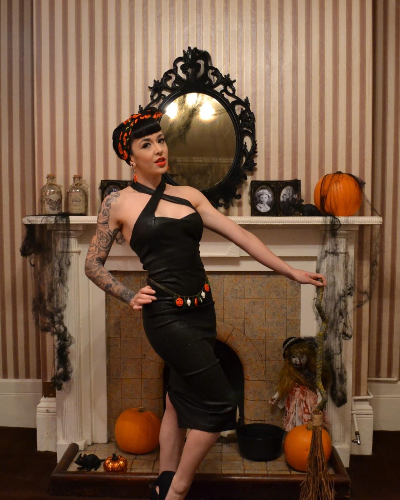 92dad3eee56 Halloween Pinup Look Collectif Penny Vegas Pencil Dress Review
