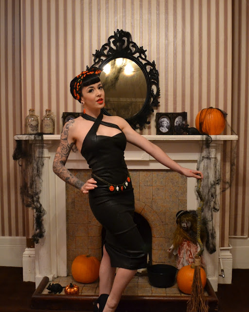 Halloween Pinup Look Collectif Penny Vegas Pencil Dress Review
