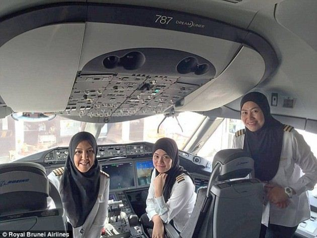 Subhaanallah, Tiga Pilot Berjilbab Ini Ciptakan Sejarah Dengan Terbang Ke Arab Saudi