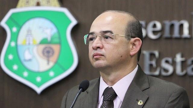 Justiça Eleitoral do Ceará aplica multa e livra deputado Sérgio Aguiar da cassação