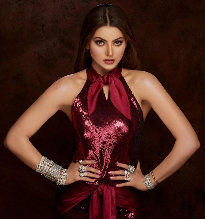 Filmfare Awards 2021:- उर्वशी रौतेला (Urvashi Rautela) की 35 लाख की ड्रेस और ज्वैलरी को मिला बेस्ट ड्रेस का खिताब ,रेड कारपेट लुक पर ठहरीं सबकी नजरें !