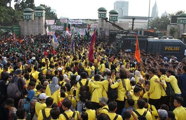 Aksi Unjuk Rasa Kembali Digelar, Mahasiswa Sampaikan Mosi Tidak Percaya